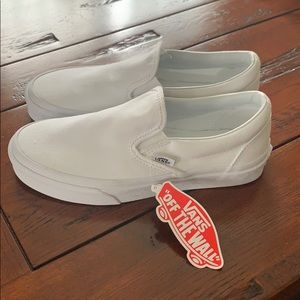 Vans slip on women's size 6 New with tags